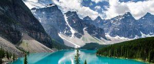 il lago alpino del wells grey park, in british columbia, canada