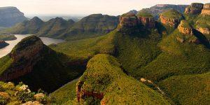 vista del Blyde River Canyon da three rondavels