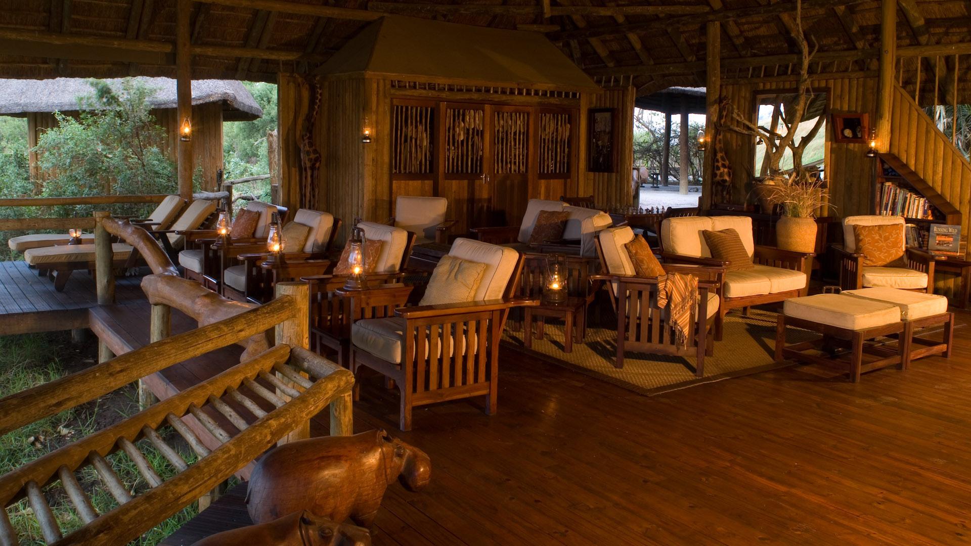 lounge del Lebala Camp nella regione del linyanti in botswana