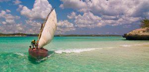 le acque cristalline che bagnano le spiagge di diego suarez, in madagascar