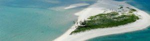 le bianche spiagge dell'isola di pemba bagnate dalle acque turchesi dell'oceano indiano