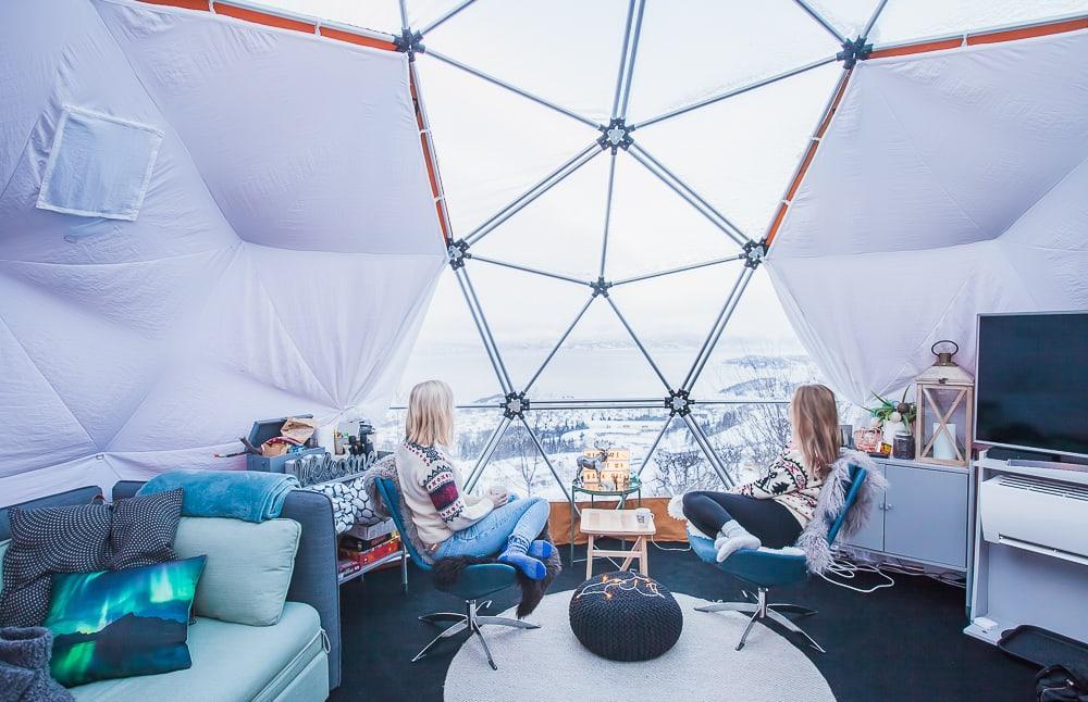 dormire in un arctic dome a narvik con vista sulla tundra